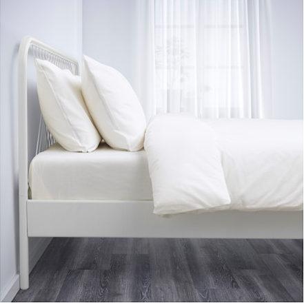 イケアのベッド